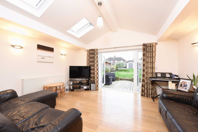 3 Bedrooms Semi Detached House for sale in South Ham Road, Basingstoke